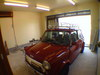 ガレージの中のローバーミニクーパー画像