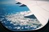 ジェット機内からの沖縄上空画像