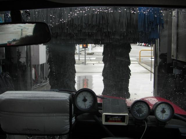 ミニクーパーと全自動洗車機7