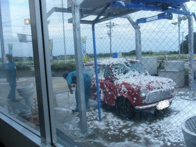 ミニクーパーの泡洗車