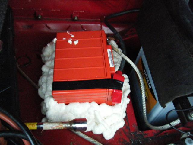 ミニクーパーのドライバッテリー並列固定方法