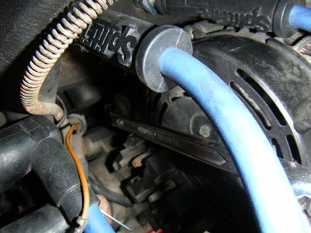 ミニクーパーのオルタネーター固定ボルト
