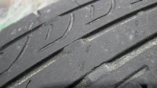 ミニクーパーのタイヤの摩耗限界